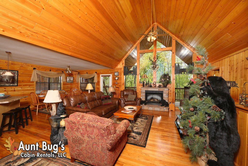 Photo of a Pigeon Forge Cabin named Smoky Mountain Getaway #435 - This is the fifteenth photo in the set.