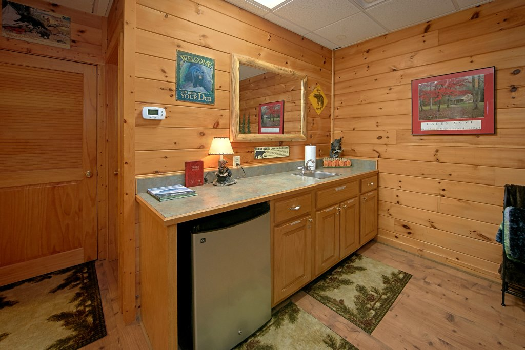 Photo of a Pigeon Forge Cabin named Boulder Bear Lodge #355 - This is the thirty-third photo in the set.