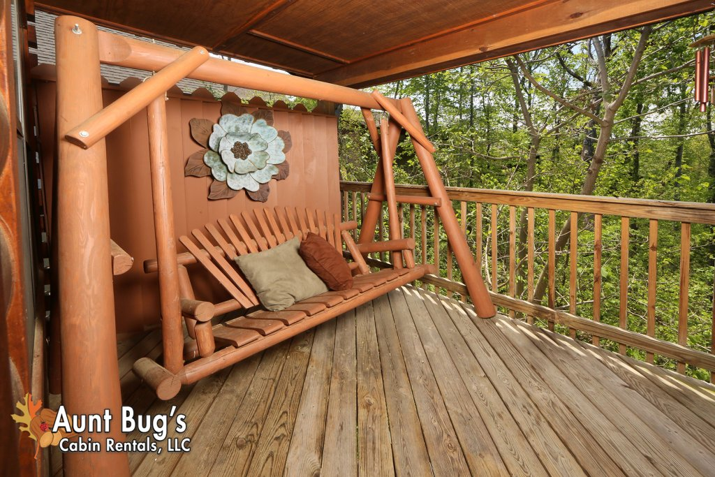 Photo of a Pigeon Forge Cabin named Smoky Mountain Getaway #435 - This is the fifth photo in the set.