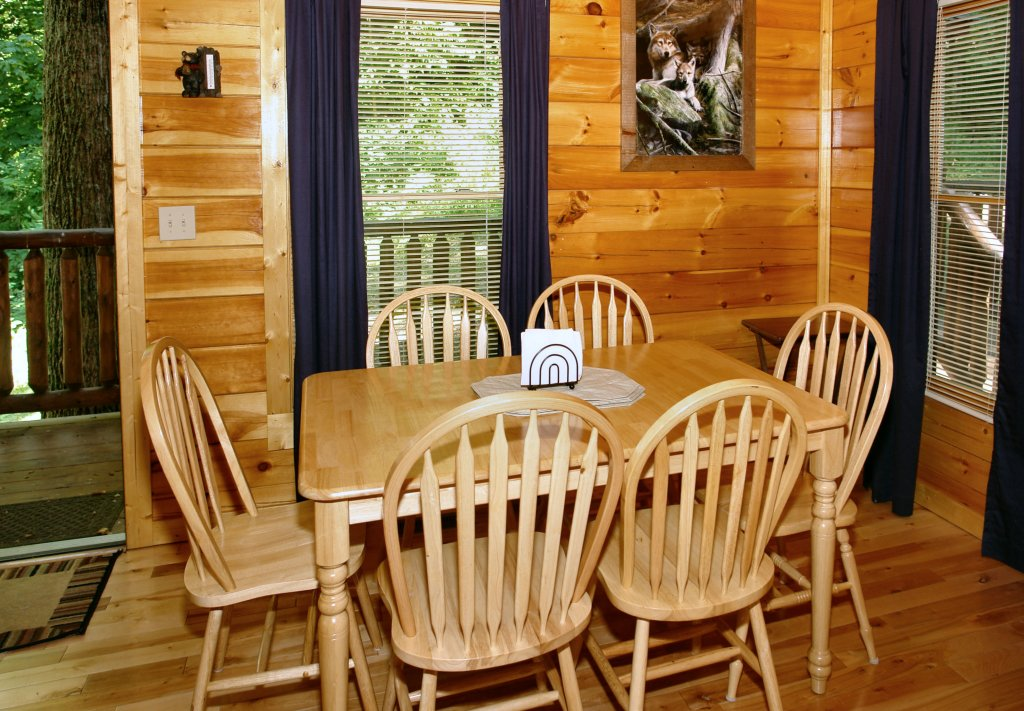 Photo of a Gatlinburg Cabin named Falcon Crest #2911 - This is the seventeenth photo in the set.