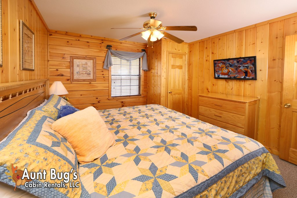 Photo of a Pigeon Forge Cabin named Smoky Mountain Getaway #435 - This is the twenty-sixth photo in the set.