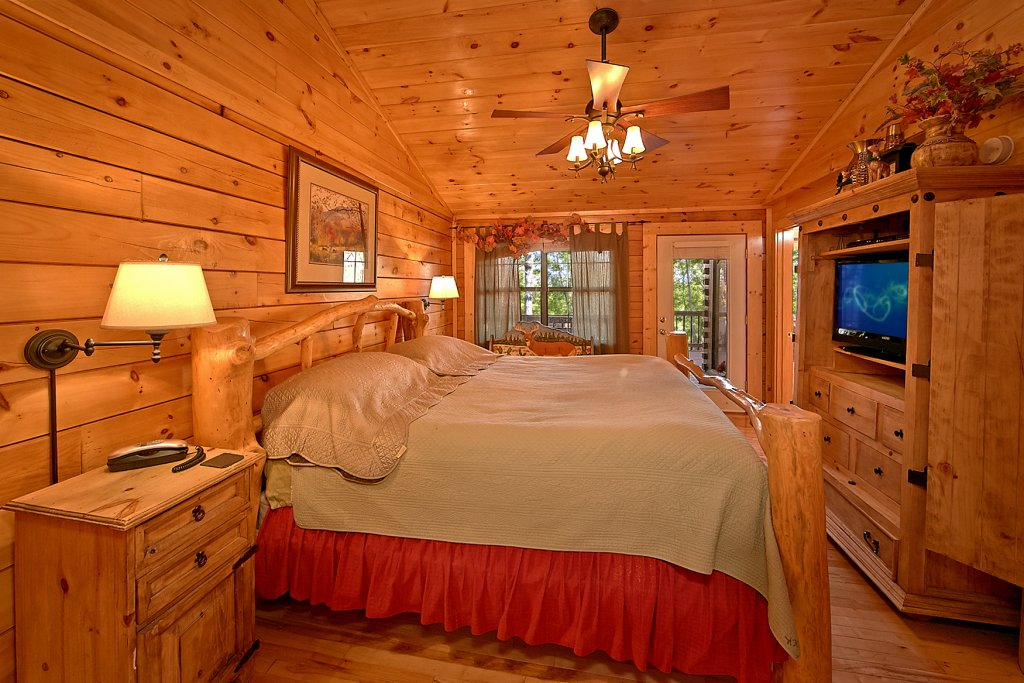 Photo of a Pigeon Forge Cabin named Buckhead #259 - This is the third photo in the set.