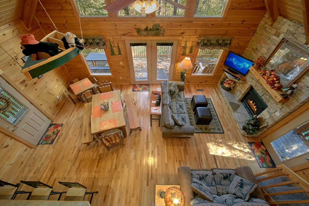 Photo of a Pigeon Forge Cabin named Boulder Bear Lodge #355 - This is the seventh photo in the set.