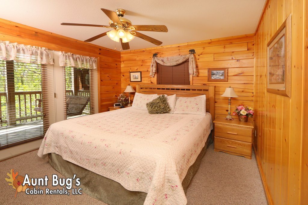 Photo of a Pigeon Forge Cabin named Smoky Mountain Getaway #435 - This is the twentieth photo in the set.