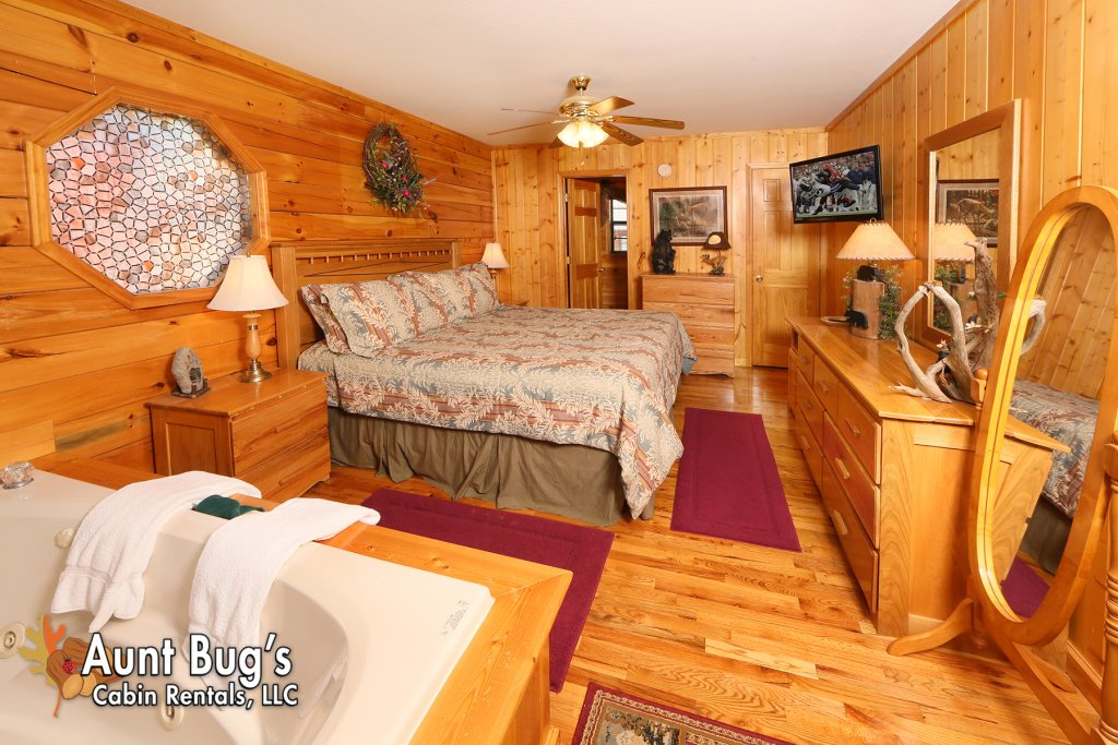 Photo of a Pigeon Forge Cabin named Smoky Mountain Getaway #435 - This is the eighteenth photo in the set.