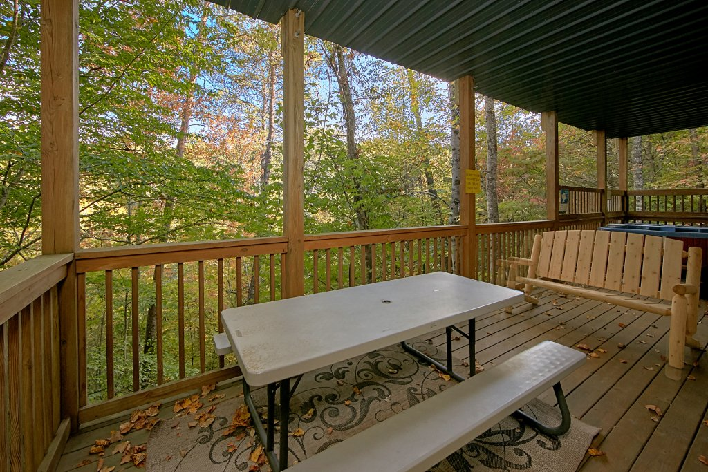 Photo of a Pigeon Forge Cabin named Boulder Bear Lodge #355 - This is the twenty-first photo in the set.