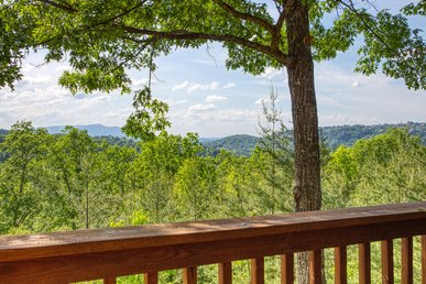 Smoky Mountain Log Cabin Rental With Panoramic Mountain View And Hot Tub