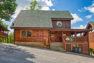 Pigeon Forge Cabin With Views, Arcade Games, Indoor/outdoor Pool, Pool Table!
