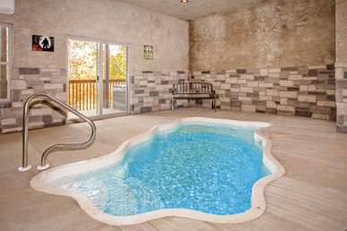 Newly Constructed! Spacious 2 Bed Cabin, Private Pool, Only 1 Mile To Strip!