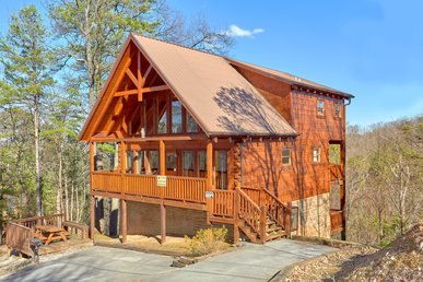 Secluded Spacious Cabin With A Fantastic Mountain View, Hottub And Gameroom!