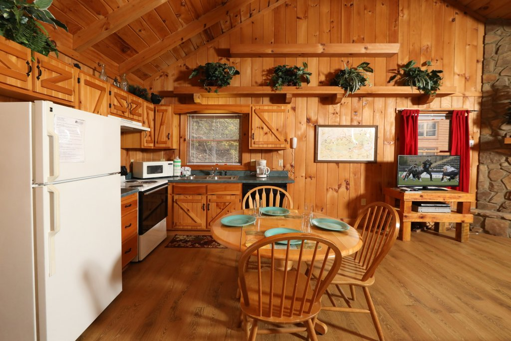 Photo of a Pigeon Forge Cabin named Creekside Tranquility #365 - This is the fifteenth photo in the set.