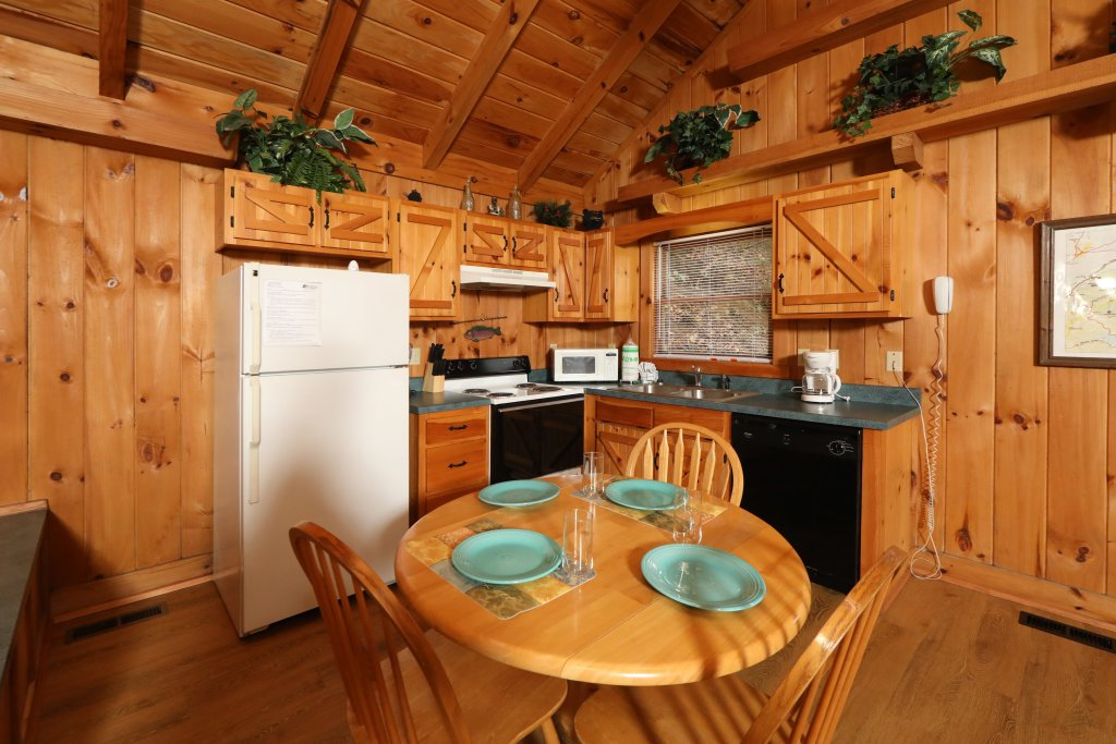 Photo of a Pigeon Forge Cabin named Creekside Tranquility #365 - This is the thirteenth photo in the set.