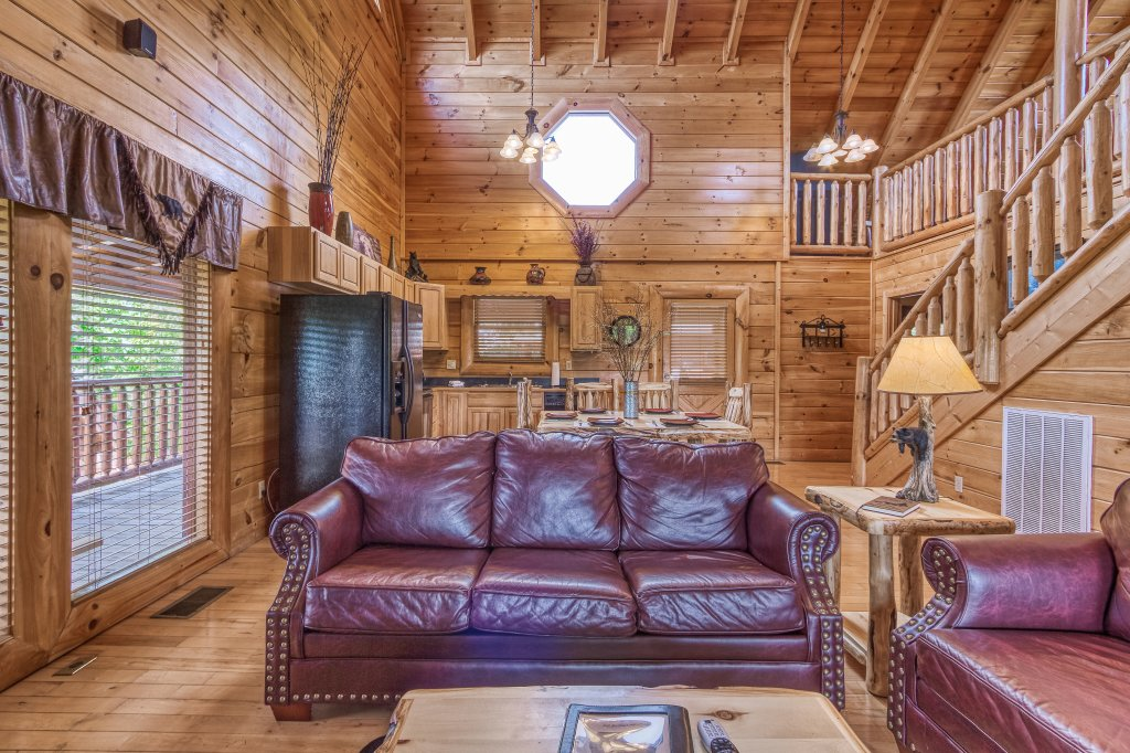 Photo of a Sevierville Cabin named Bear Hug #275 - This is the fourteenth photo in the set.