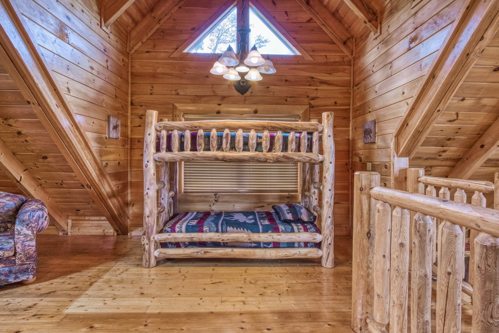 Photo of a Sevierville Cabin named Bear Hug #275 - This is the fifteenth photo in the set.