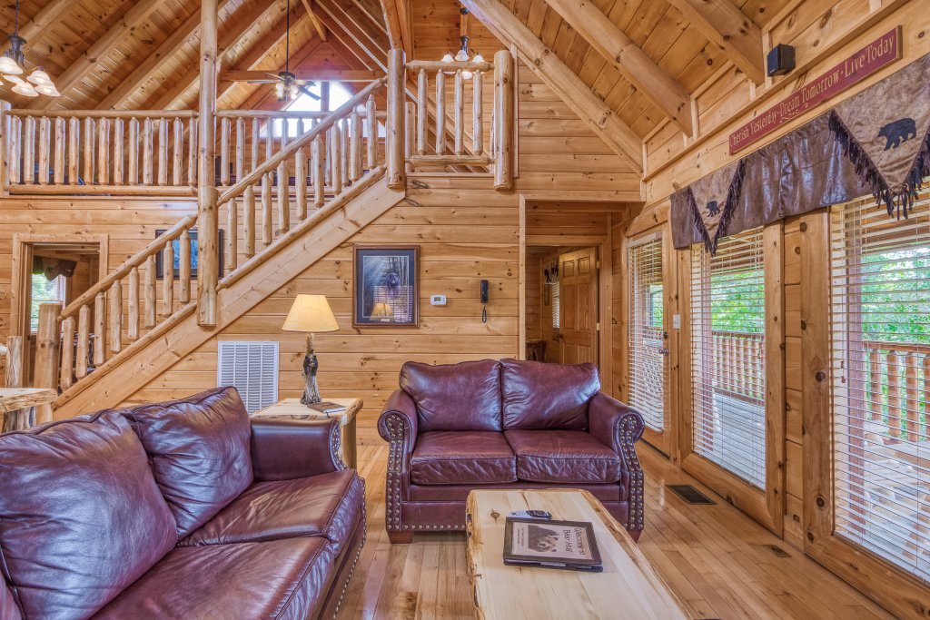 Photo of a Sevierville Cabin named Bear Hug #275 - This is the twelfth photo in the set.