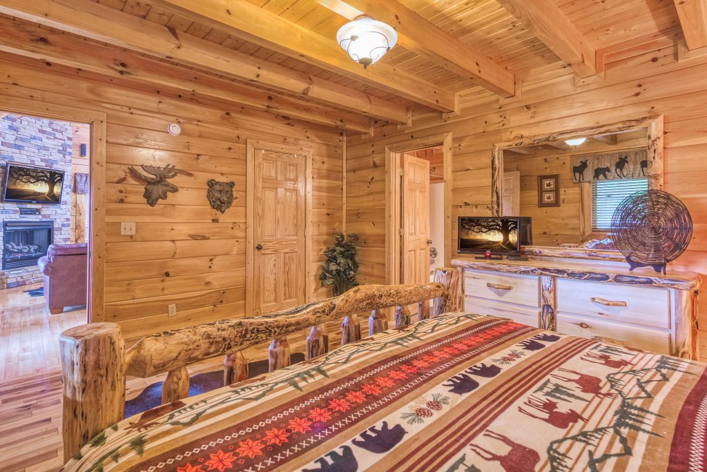 Photo of a Sevierville Cabin named Bear Hug #275 - This is the seventeenth photo in the set.