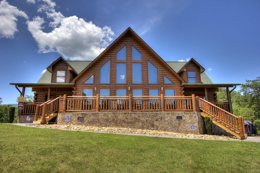 Photo of a Sevierville Cabin named Always Dreaming #410 - This is the first photo in the set.
