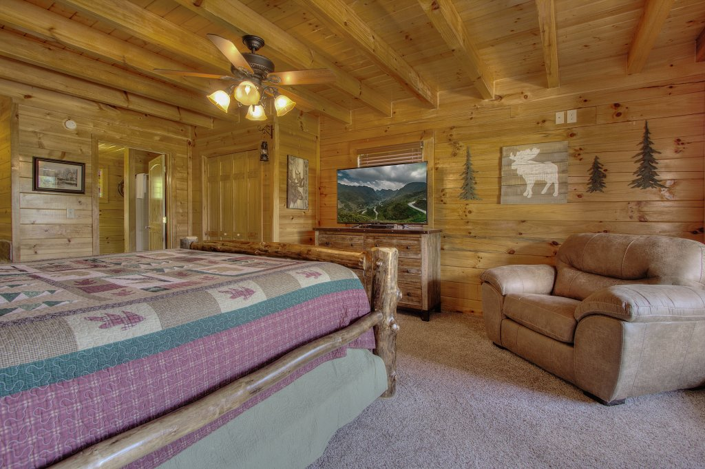 Photo of a Sevierville Cabin named Always Dreaming #410 - This is the twenty-fourth photo in the set.