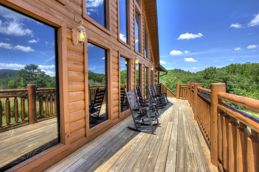 Photo of a Sevierville Cabin named Always Dreaming #410 - This is the thirty-fifth photo in the set.