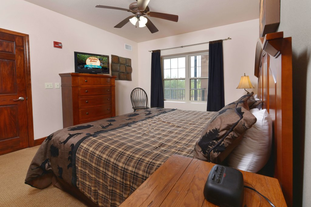Photo of a Pigeon Forge Condo named 4002 Big Bear Resort - This is the fifteenth photo in the set.