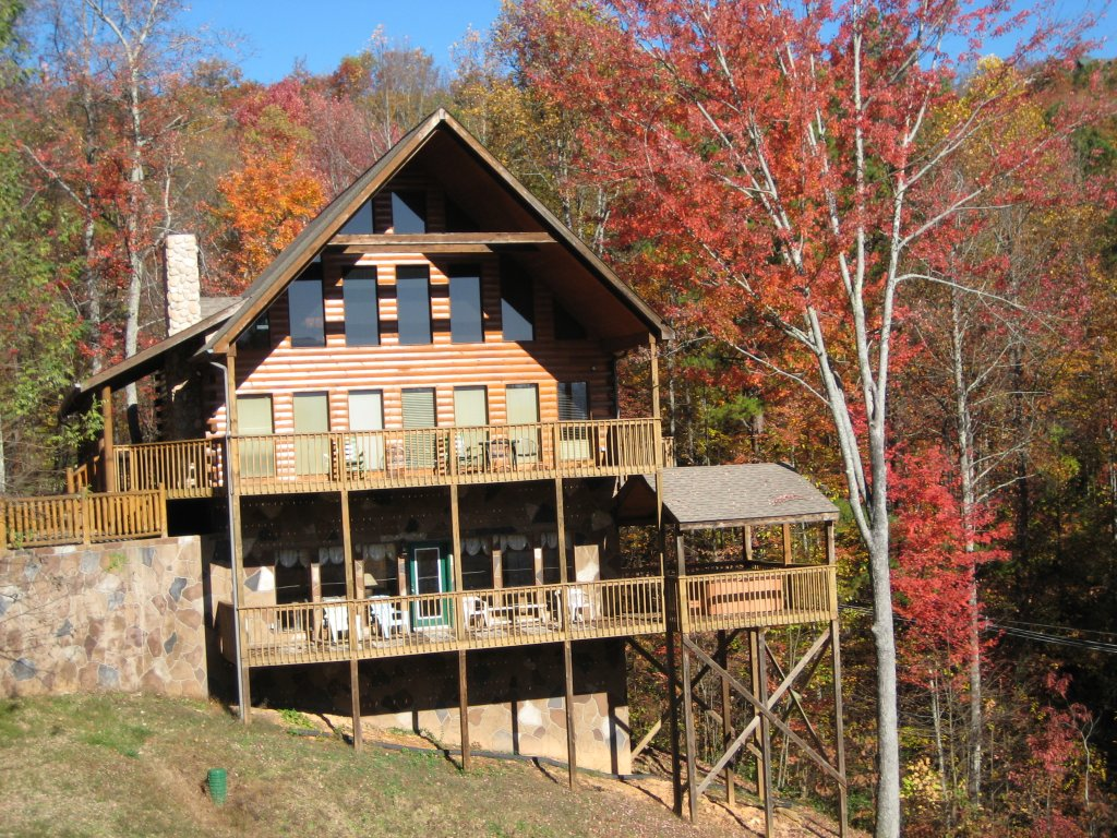 Photo of a Gatlinburg Cabin named Hillbilly Hilton #525 - This is the thirtieth photo in the set.