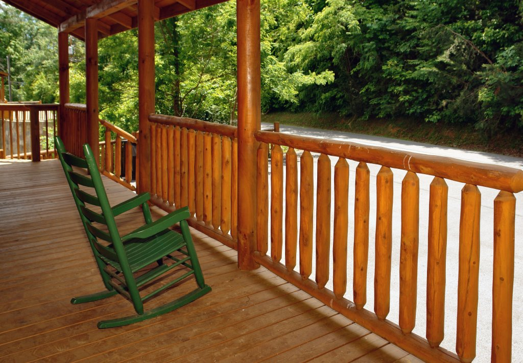 Photo of a Gatlinburg Cabin named Hillbilly Hilton #525 - This is the forty-fourth photo in the set.