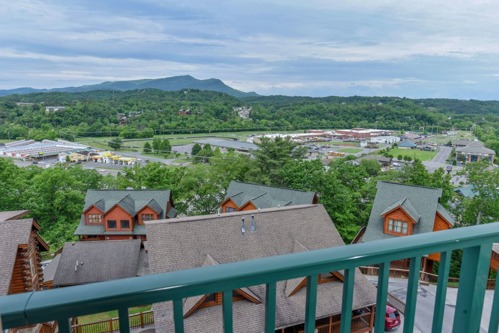 Photo of a Pigeon Forge Condo named 4002 Big Bear Resort - This is the seventeenth photo in the set.