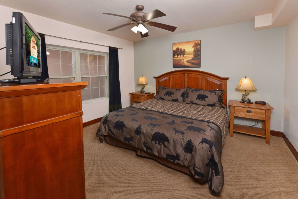 Photo of a Pigeon Forge Condo named 4002 Big Bear Resort - This is the fourteenth photo in the set.