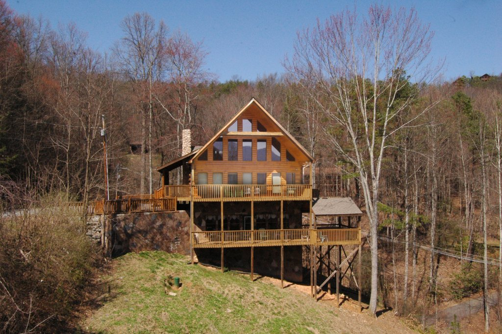 Photo of a Gatlinburg Cabin named Hillbilly Hilton #525 - This is the thirty-sixth photo in the set.