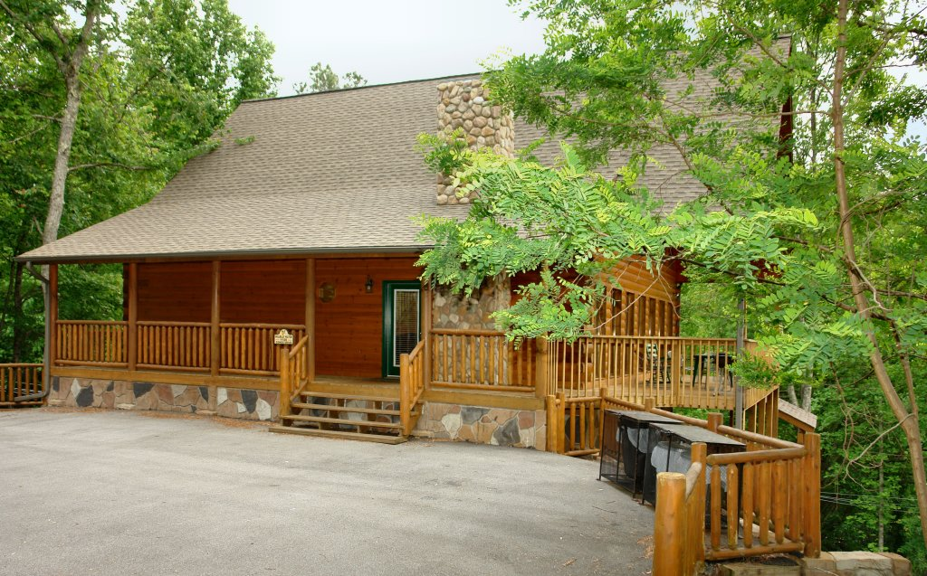 Photo of a Gatlinburg Cabin named Hillbilly Hilton #525 - This is the twenty-seventh photo in the set.
