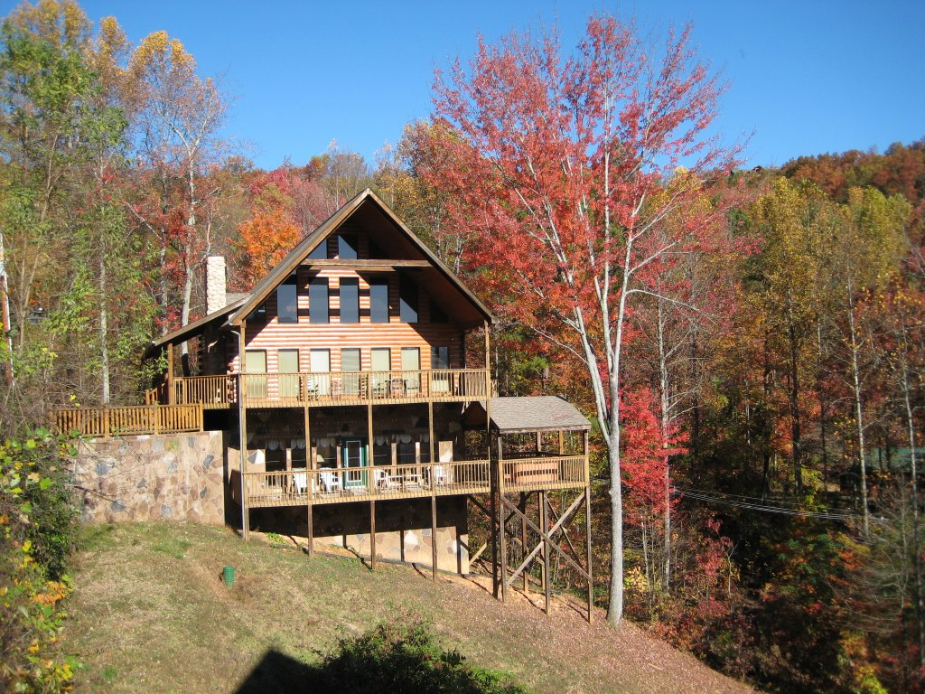 Photo of a Gatlinburg Cabin named Hillbilly Hilton #525 - This is the thirty-third photo in the set.
