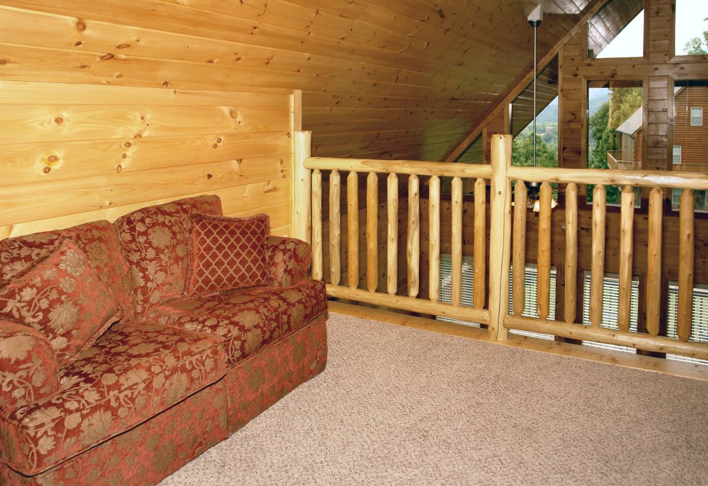 Photo of a Gatlinburg Cabin named Hillbilly Hilton #525 - This is the thirty-seventh photo in the set.