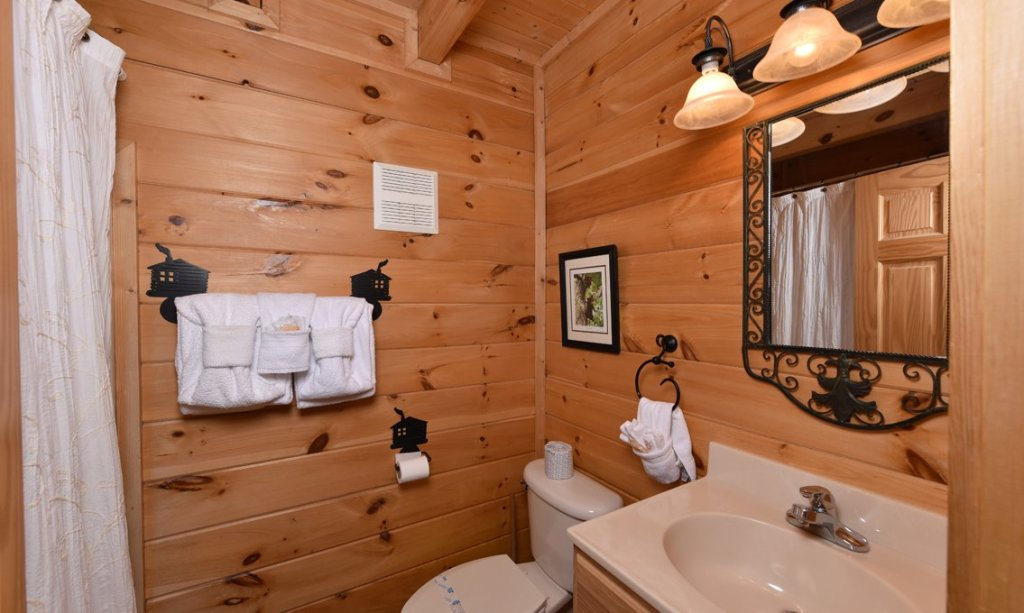 Photo of a Sevierville Cabin named Southern Comfort Escape - This is the sixteenth photo in the set.