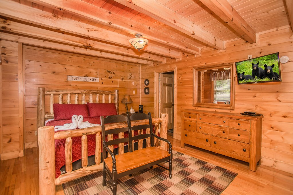 Photo of a Sevierville Cabin named Southern Comfort Escape - This is the eighteenth photo in the set.