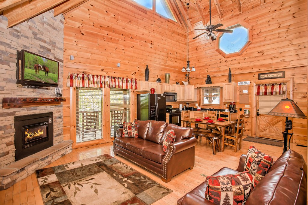 Photo of a Sevierville Cabin named Southern Comfort Escape - This is the twelfth photo in the set.
