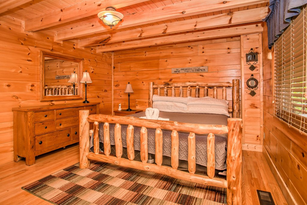 Photo of a Sevierville Cabin named Southern Comfort Escape - This is the fourteenth photo in the set.