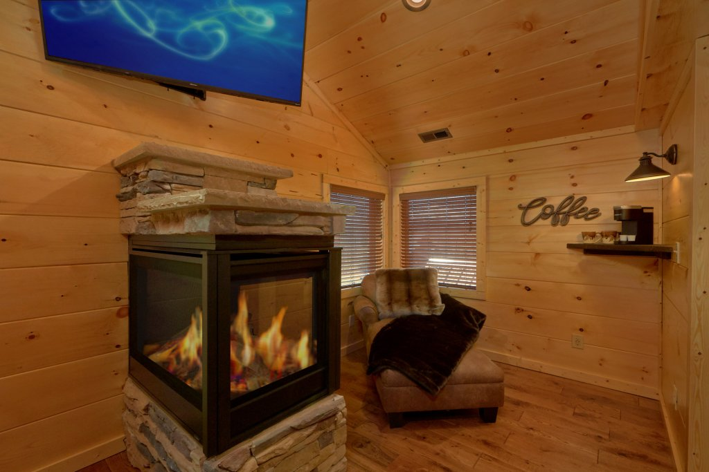 Photo of a Gatlinburg Cabin named Copper Creek Lodge - This is the thirty-fourth photo in the set.