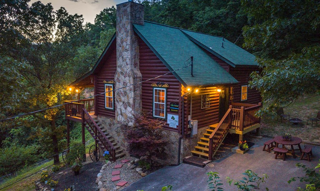Photo of a Pigeon Forge Cabin named Serendipiity - This is the twenty-seventh photo in the set.