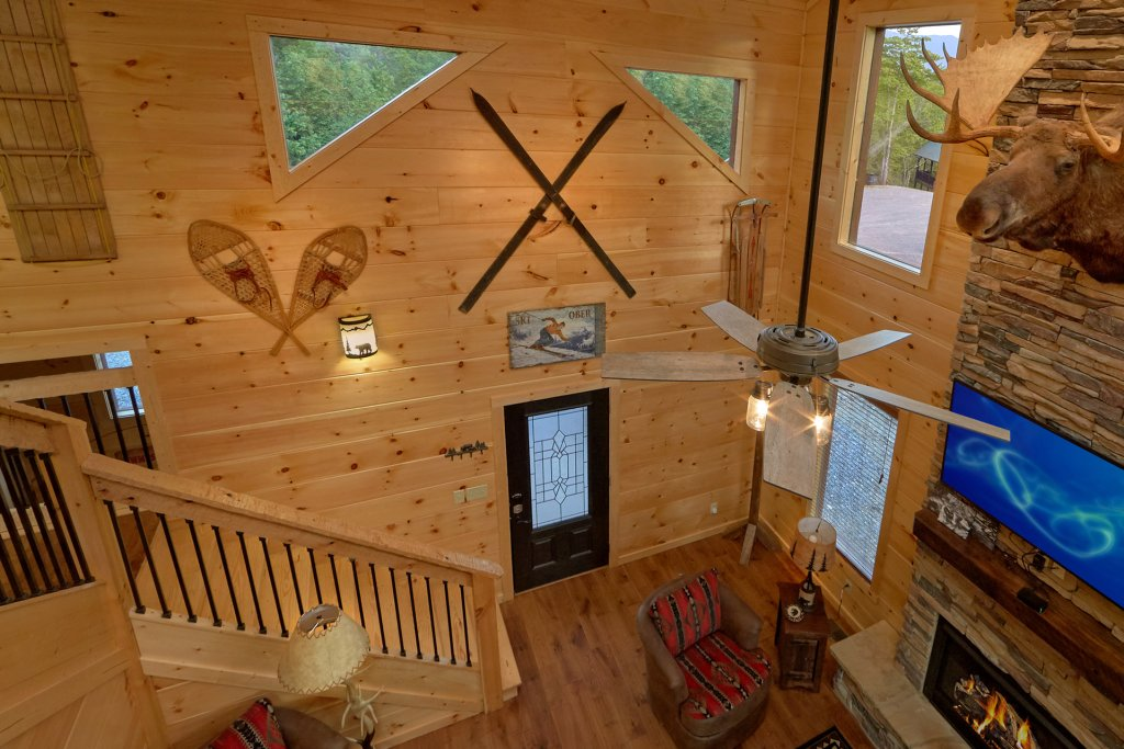 Photo of a Gatlinburg Cabin named Copper Creek Lodge - This is the ninth photo in the set.