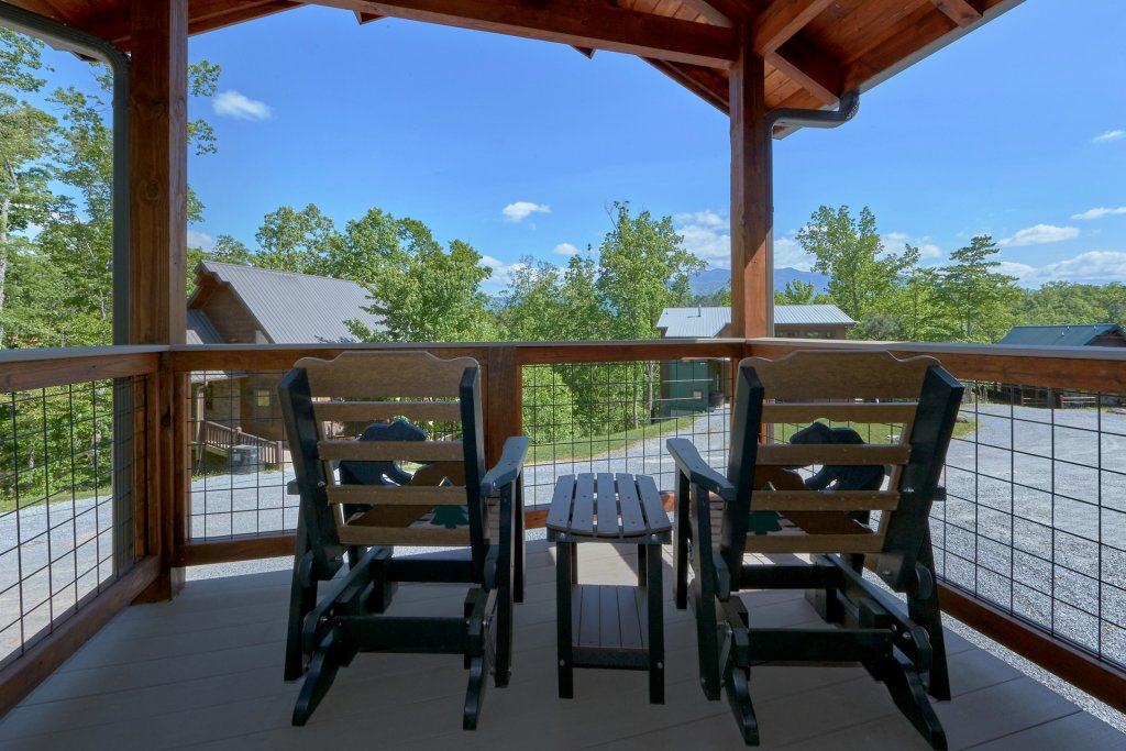 Photo of a Gatlinburg Cabin named Copper Creek Lodge - This is the fourteenth photo in the set.
