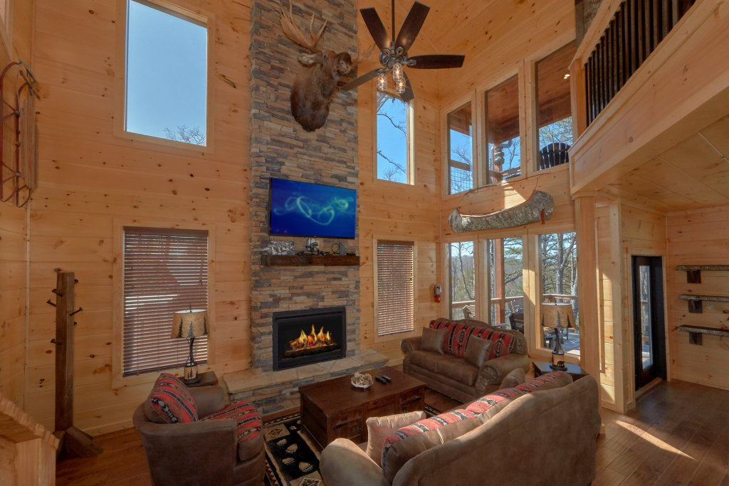 Photo of a Gatlinburg Cabin named Copper Creek Lodge - This is the twenty-second photo in the set.