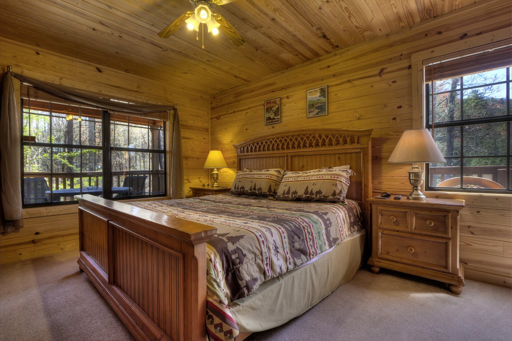 Photo of a Sevierville Cabin named Always Delightful #411 - This is the thirty-fifth photo in the set.