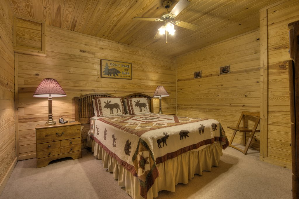 Photo of a Sevierville Cabin named Always Delightful #411 - This is the forty-eighth photo in the set.