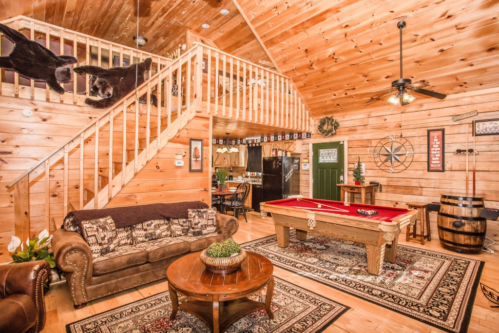 Photo of a Pigeon Forge Cabin named Serendipiity - This is the fourteenth photo in the set.