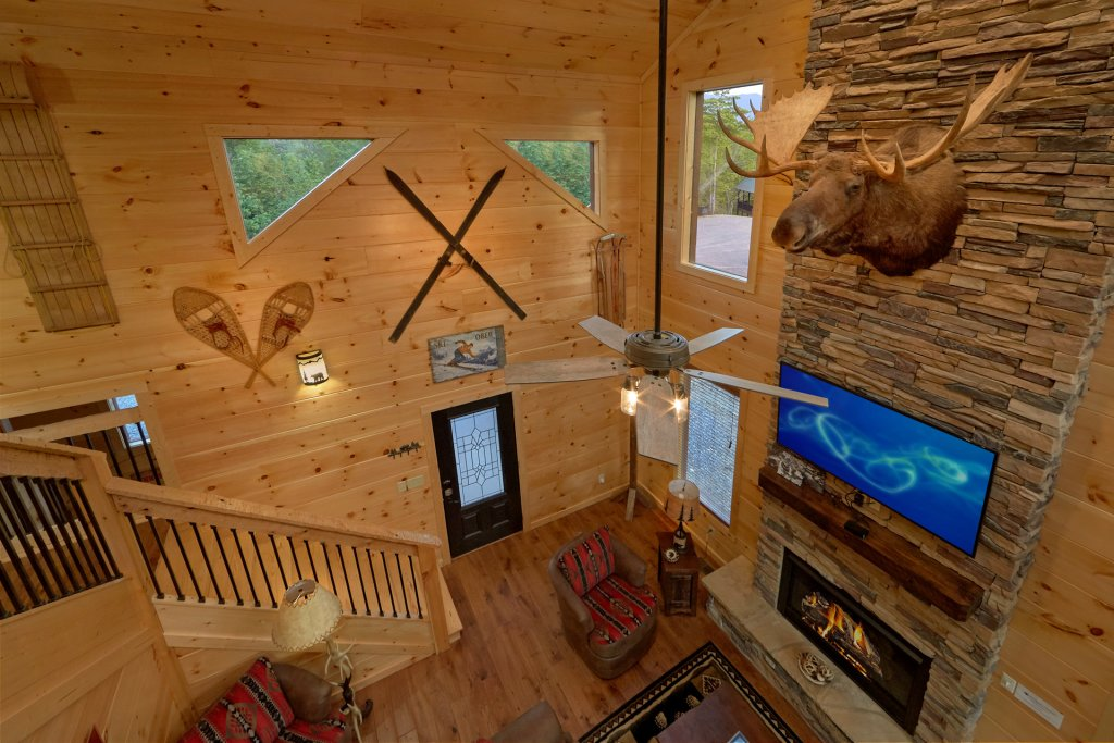 Photo of a Gatlinburg Cabin named Copper Creek Lodge - This is the eighth photo in the set.