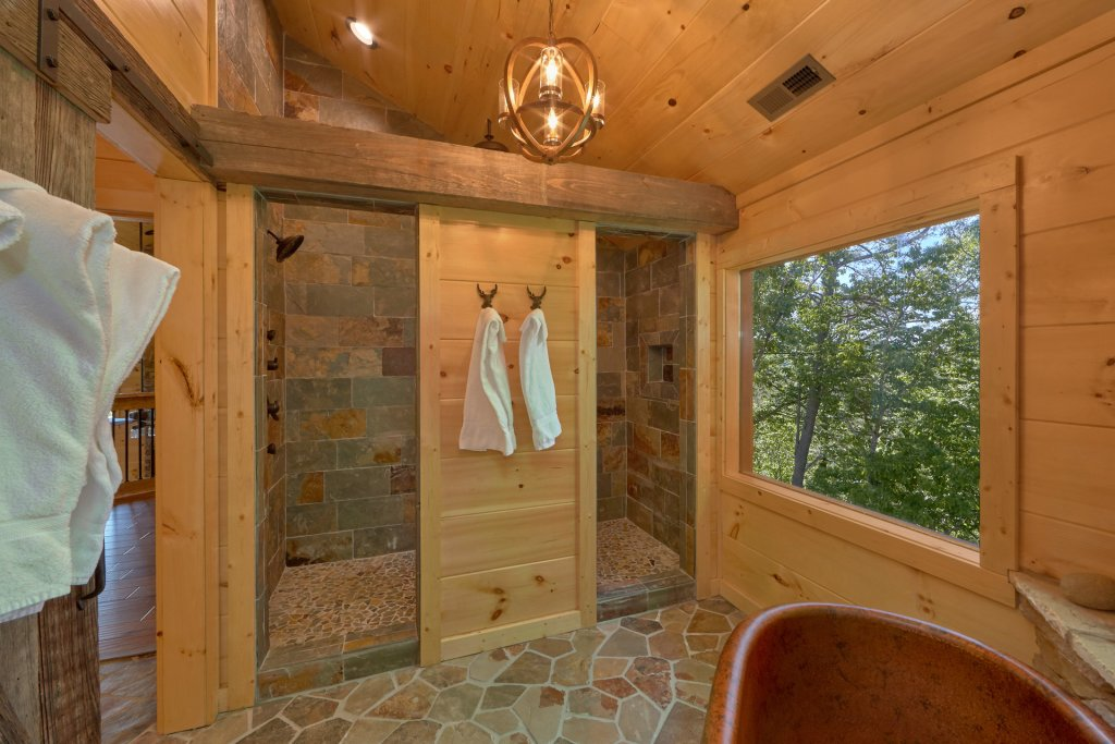 Photo of a Gatlinburg Cabin named Copper Creek Lodge - This is the thirty-first photo in the set.