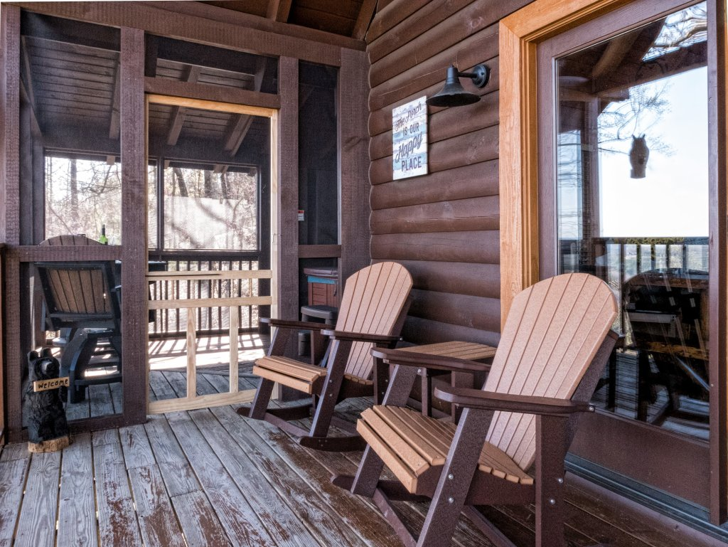 Photo of a Sevierville Cabin named A Wild View Yonder #377 - This is the eighty-fourth photo in the set.