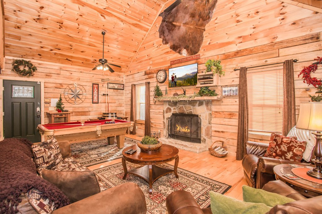 Photo of a Pigeon Forge Cabin named Serendipiity - This is the sixth photo in the set.