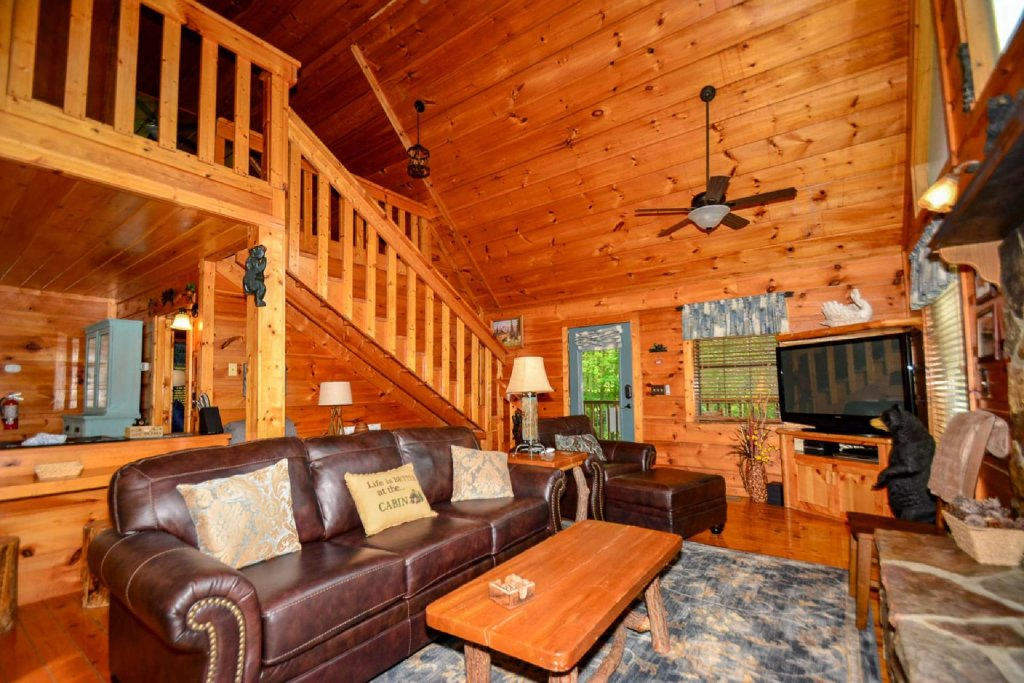 Photo of a Pigeon Forge Cabin named Dogwood Ridge - This is the fifth photo in the set.