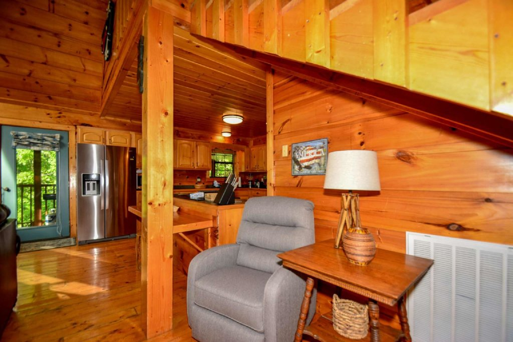 Photo of a Pigeon Forge Cabin named Dogwood Ridge - This is the tenth photo in the set.